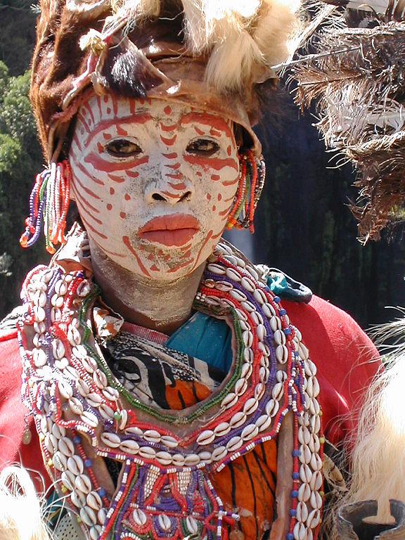 576px-Kikuyu_woman_traditional_dress